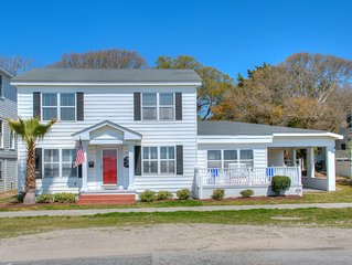 Historic Corlette House with Cape Fear River just outside your front door!