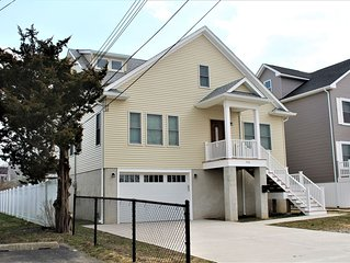 Beautiful 5BR Home -  New Construction - 3 Blocks to the Beach - Sleeps 12