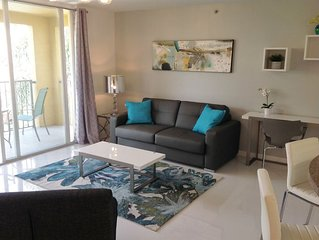 The Yacht Club at Aventura | Luxury 1 bed/ 1 Bath | Pool View | Fits 4 People