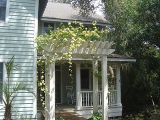 Wonderful 5 Bedroom & 4 Bath Private Cottage