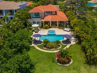 CHARMING GOLF FRONT VILLA WITH POOL, JACUZZI & MAID – CLOSE TO BEACH & TOWN.