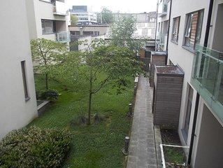 Modern 2 Bed, 2 Bath Central Dublin Flat, 2 Blocks from Trinity College