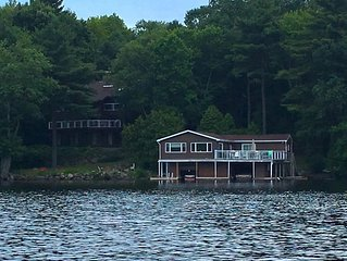 Paradise on Lake Muskoka – Cottage & Boathouse Perfect for Large Groups