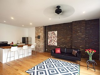 Luxury Artist Loft, 2 private bedrms. Elegant/Classy/Clean. 5 mins to Manhattan