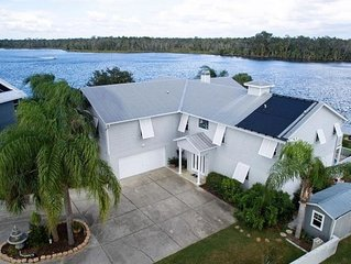 Million Dollar House and View on Main River. Holds 15. Pool, Dock, Kayaks.