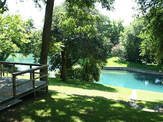 Charming Riverfront Home on the Comal - Downtown New Braunfels
