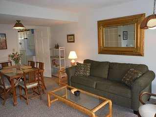Oceanside Townhome Less Than 75 Yard Walk To The Beach