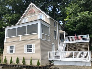 IMMACULATE LAKEFRONT COTTAGE ON  WINE TRAIL NEAR KEUKA COLLEGE