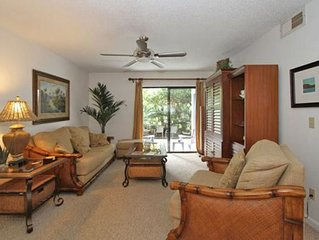 Lovely two bedroom two bath condo Sleeps 5  WiFi, 3 pools, Ocean across street