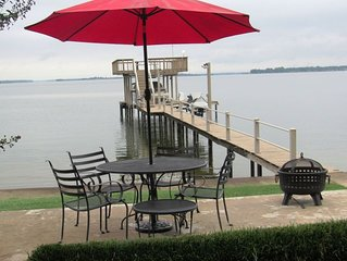 Cozy 5 BR Lake Home on  Open Water with Kayaks!