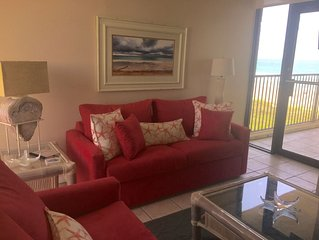 Condo w/ beach & bay views, private beach access, 2Pools, steps to Schlitterbahn