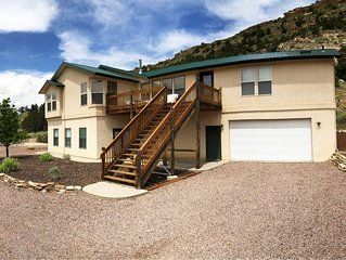 Beautiful Home only 5 Minutes from Royal Gorge Bridge, Rafting, Ziplines & More