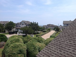 Lovely Renovated Townhome 650' from the  Beautiful Atlantic Ocean