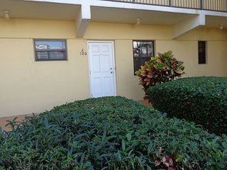 Hollywood Beach Hidden Gem! Large efficiency,1st floor & parking by north door.