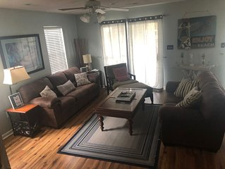 Prvt Home 3 Bedrooms/3 Baths, Sleeps 10, Surfside Bch, SC Just Steps To The Beac