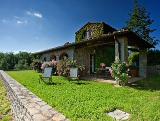 An enchanting small villa, perfect for two, with an unparalleled view.