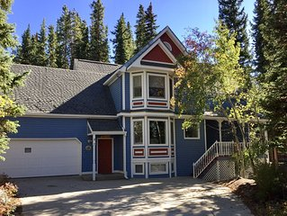 Moonstone House Breckenridge: Mtn Seclusion & Town Convenient