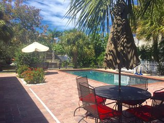 ***Walk to Beach! 5 min-Canalfront~PrivatePOOL/HotTub
