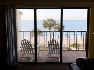 RELAXING CONDO WITH STUNNING DIRECT OCEAN VIEWS!