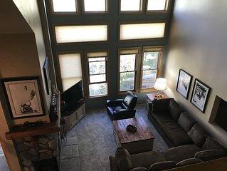 Mountain Views,  Comfortable, 2+Loft Luxury Condo, Phase V