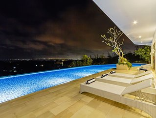 Villa 360 With Infinity Pool