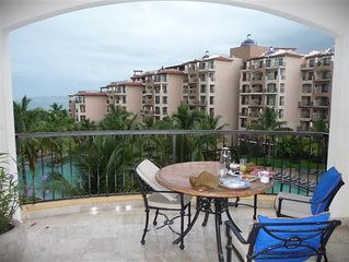 Luxury 2 BDR Suite in a Tropical Paradise - Beachfront Resort, Pool & Spa