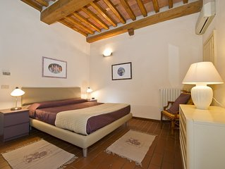 Lucca Holiday Rental Apartment  in the historical medieval old town
