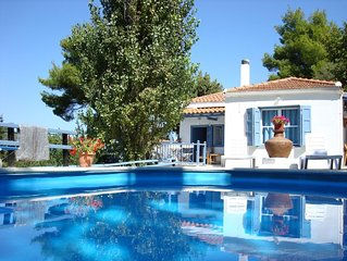 The Blue Cottage - totally private, with pool, in the countryside