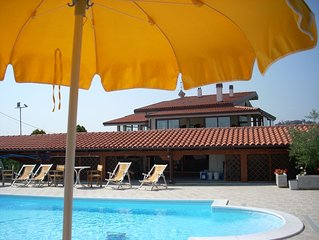 Appartamento in villa con piscina a 5 km dal mare di Tortoreto