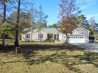 Family & pet friendly house close to Beaufort, boating and the beach!