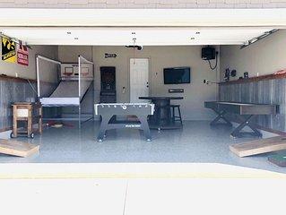 Beautiful 4 BDRM/3 BATH home in Bridges Bay-Pool in backyard & garage rec room!