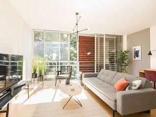 Design Attic Apartment, FREE parking