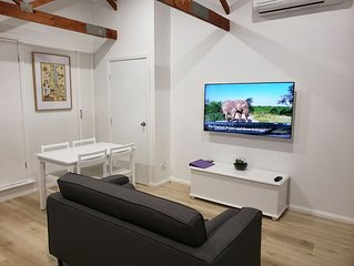 Self-contained, two-bedroom guest house close to Royal National Park