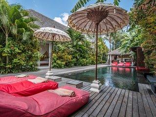 La Banane, 5 Bedroom Villa+Cook, Peaceful Tranquility, 5 mins from Seminyak.