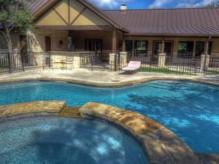 Home with swimming pool and hot tub with Private River Access!