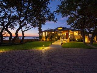 Lakefront Luxury on Lake Travis*Boat Dock*Pool*Karaoke Stage*Sleeps 20w/No Bunks