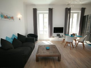 Superbly Appointed 2nd floor Apartment in the Heart of the Carre D'Or