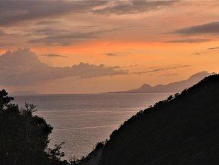 villa MAGAR  standing surplombant la mer Piscine et Jacuzzi