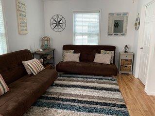 Pet Friendly 2 Bedroom, 1 Bath Condo - One Block To Beach