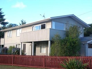Pencarow Lodge - Large home, Great location in Rainbow Point with free WiFi