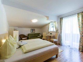 Doppelzimmer, Dusche, WC, Balkon - Gästehaus Walpurga