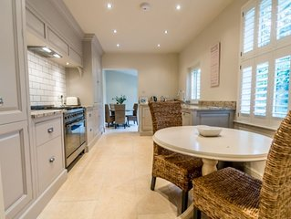 34 St Olave's  - sleeps 7 guests  in 3 bedrooms