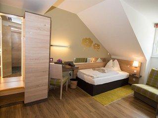 Einzelzimmer mit Dusche, WC - Hotel Dollinger