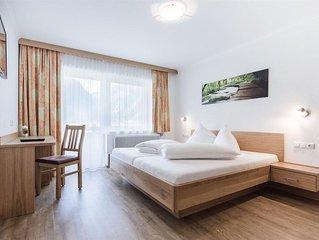Doppelzimmer mit Dusche od. Bad, WC - Venedigerblick, Gasthof und Appartements
