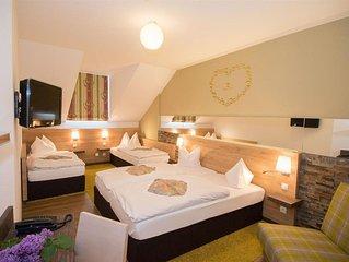 Vierbettzimmer mit Dusche, WC - Hotel Dollinger