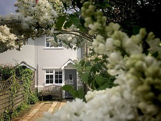 A Suffolk Cottage with garden, pubs, coastal beaches and country walk