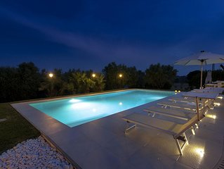 Villa privata con piscina, costa 6 Km, wi-fi, Senigallia,vicino al Conero,Marche