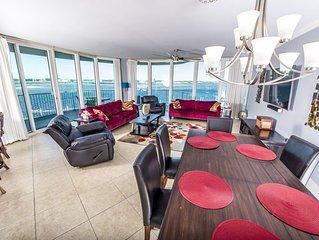 Luxury Updated HUGE 4/3 Corner Unit, Caribe Resort!