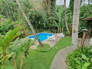 Maravilhosa casa com piscina a menos de 100m da Praia do Portinho - Ilhabela