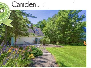 Private in-town Camden cottage!